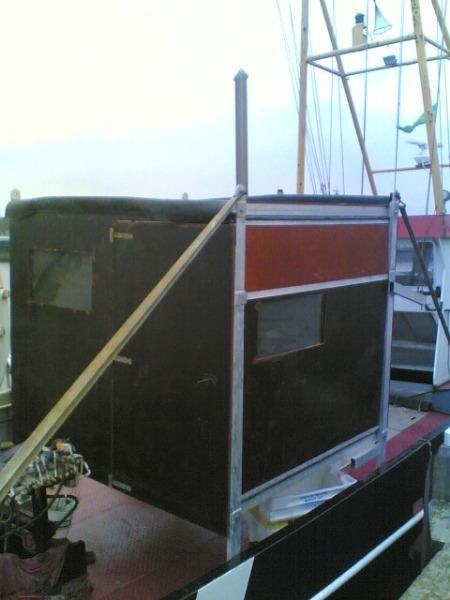 Kijkhut op de boot om op het water vogels te kunnen spotten | Kooistra Visserij